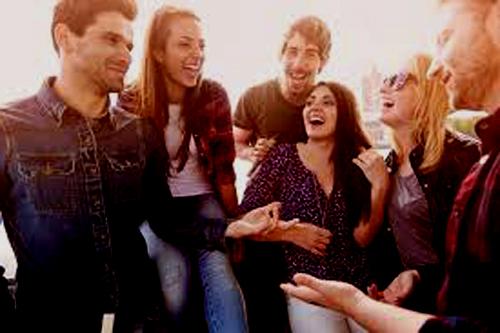 Los grandes beneficios que trae el tener amigos